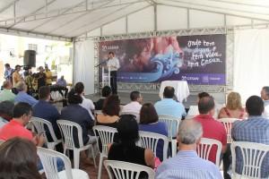 Presidente da Cesan, Pablo Andreão, discursa em evento de assinatura da ordem de início dos serviços em Iúna, Sul do Espírito Santo