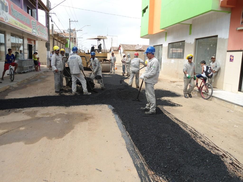 Em casos de má pavimentação o pagamento do fornecedor responsável é retido até que o serviço seja feito de forma adequada